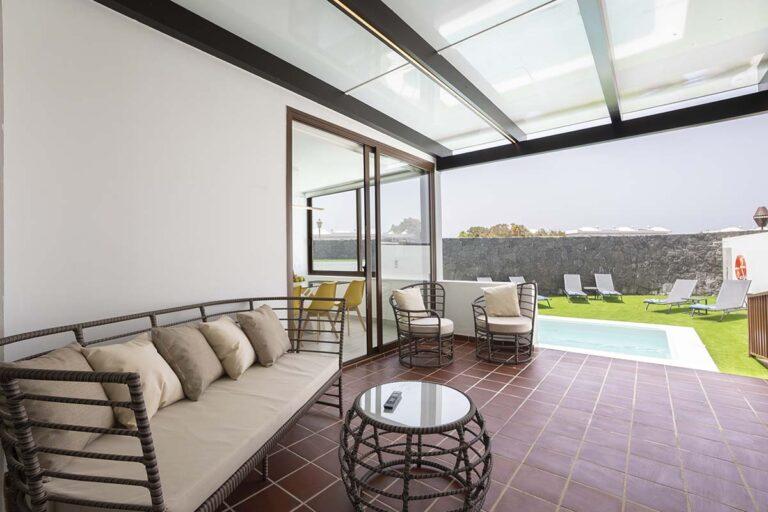 Sofas-de-terraza-de-villa-callao-en-lanzarote-33
